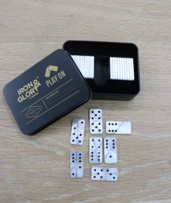 IronandGlory Play on mini Domino set