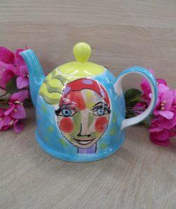 Art d olivia teapot